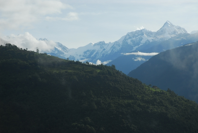 The Numbur range from Lahaksewar
