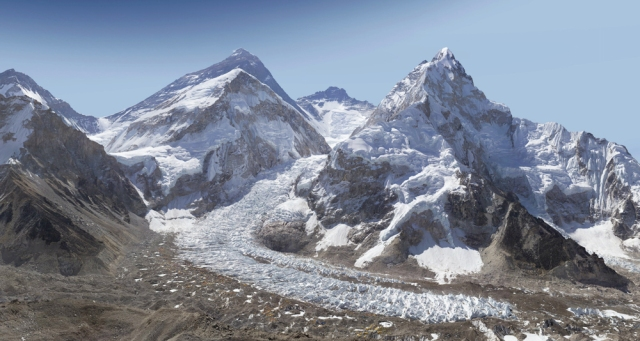 Mount Everest, in 3.8 billion pixels