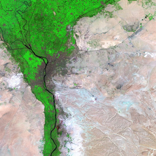 CairoSource: http://earthobservatory.nasa.gov/IOTD/view.php?id=2813