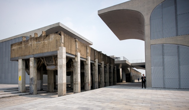 source: http://www.smartshanghai.com/articles/art_galleries/art-review-the-long-museum
